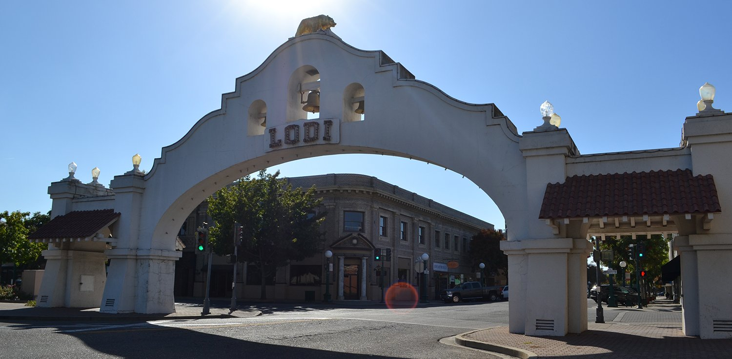 Days Inn Lodi is located just minutes from charming Downtown Lodi