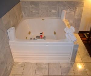 Days Inn & Suites Lodi - Hot Tub