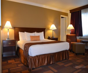 Days Inn & Suites Lodi - 1 King Bedroom Suite