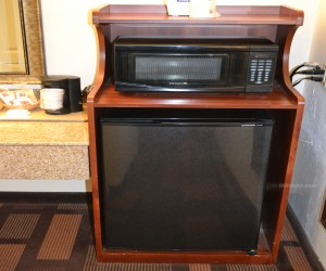 Days Inn & Suites Lodi - All Rooms Feature Fridge and Microwave