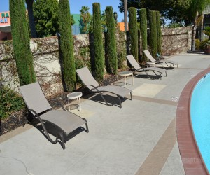 Days Inn & Suites Lodi - Sunbathe on our pool deck