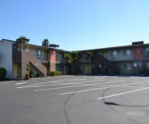 Days Inn & Suites Lodi - Buildings at Days Inn Lodi