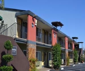 Days Inn & Suites Lodi - Days Inn Lodi Building B