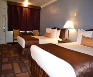 Days Inn & Suites Lodi - Plush 2 Queen Bedroom