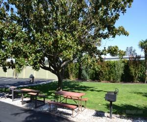 Days Inn & Suites Lodi Exterior - Days Inn Lodi BBQ Area