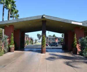 Days Inn & Suites Lodi Exterior - Days Inn & Suites Lodi Entry