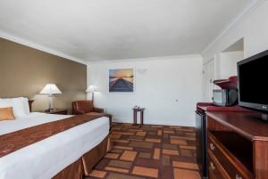 Welcome to Days Inn & Suites Lodi - Flatscreen TVs