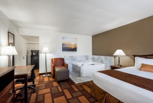 Welcome to Days Inn & Suites Lodi - Guestroom with Hot Tub