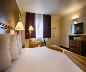 Days Inn & Suites Lodi - Flat Screen TVs in all our rooms